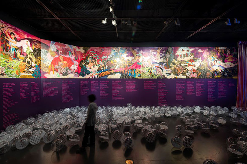 Rhaomi and Cho Kyung-kyu's 16-meter-long painting chronicles the life, dance and art of Ahn Eun-me. Courtesy of SeMA