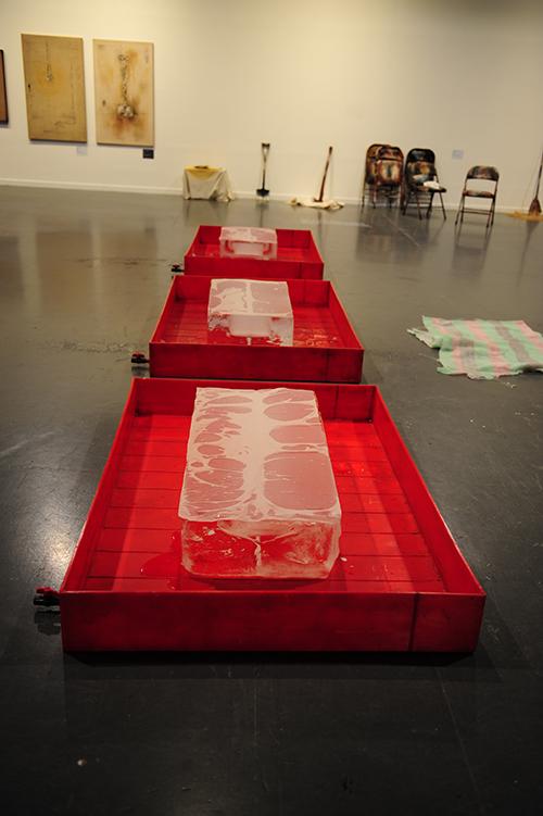 From Phenomenon to Traces (1969), Plastic boxes, ice, translucent paper, 480.0 × 110.0 × 80.0 cm