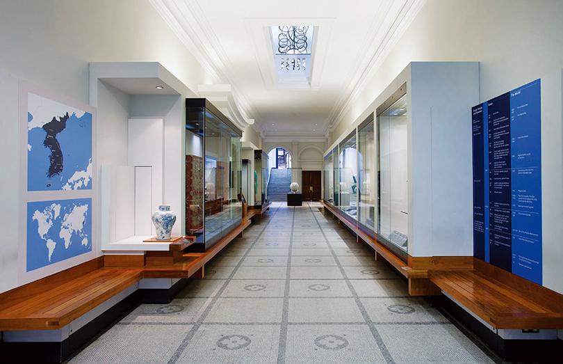 왼쪽 V&A 한국실 전경 ⓒVictoria and Albert Museum