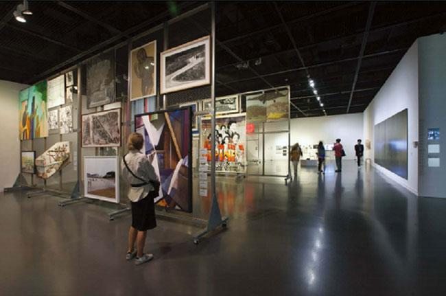 서울시립미술관 SeMA 신소장품전 《멀티-액세스 4913》 (4.16~6.2) 전시 전경. 95명 작가 작품 102점이 출품됐다.