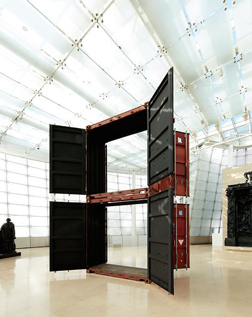 <시민의 문> 2015 스틸(운송 컨테이너의 잔해), 사운드 517×410×288cm <만일의 약속_임민욱 개인전> 설치 전경 플라토 삼성미술관, 서울 ⓒ the artist