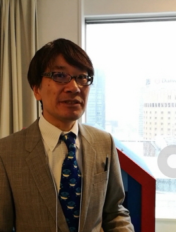 Ei Kibukawa(Director, Eitoeiko Gallery) eitoeiko.com