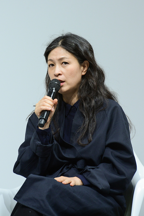 Artist Haegue Yang in conversation with curator Yilmaz Dziewior, Art Basel in Basel Conversations 2018. © Art Basel